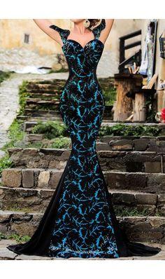 Rochie De Ocazie Elegant Turquoise - Profita de delicatetea si rafinamentul rochiei de seara Elegant Turquoise! Este o deosebita rochie lunga, in nuante de turcoaz si negru, lucrata din paiete, cu fundita si fermoar la spate. Alege superba rochie Elegant Turquoise si vei straluci! culoare: Multicolor rochie lunga de ocazie, rochi