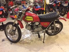 Picked up this bike as a parts bike in Tulsa, OK and then decided to go ahead and get it up and running again.  It is an all original 1972 Honda SL70.  All I did was rebuild the engine and recover the seat.  :)