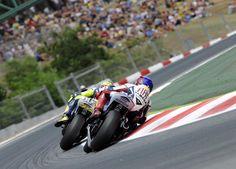 Jorge-Lorenzo-Valentino-Rossi-MotoGP