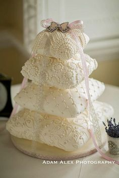 gorgeous pillow cushion wedding cake