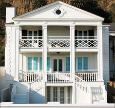 Marion Davies Guest House at the Annenberg Beach House brings some Hollywood to the beach.