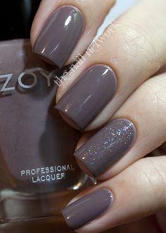 Zoya Jana - Love My Nails Dazzling on accent nail