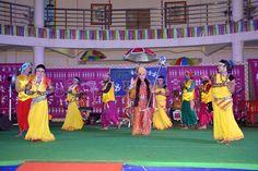 हमर छत्तीसगढ़ योजना आवासीय परिसर में रायपुर की संस्था लोक झांझर के कलाकारों ने कार्यक्रम प्रस्तुत किया। कलाकारों ने जसगीत, लोकगीत एवं लोकनृत्य पेश किया, जिसका बिलासपुर, मुंगेली एवं जांजगीर-चांपा जिले के पंचायत प्रतिनिधियों ने आनंद लिया। कार्यक्रम के दौरान स्वच्छ भारत मिशन से संबंधित क्विज का आयोजन भी किया गया, जिसमें प्रतिनिधियों ने हिस्सा लिया और सवालों के जवाब दिए। सही उत्तर देने वाले प्रतिनिधियों को अधिकारियों ने पुरस्कार देकर सम्मानित किया।