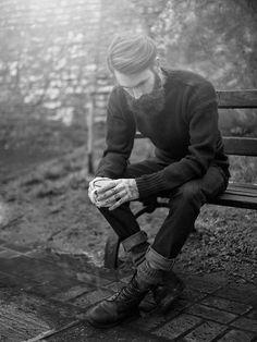 All in black, beard, skinnies and knit jumper. www.offthecuffldn.co.uk #hipster #london #shoreditch #beard