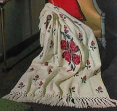 Vintage Roses and Rosebuds Afghan Crochet Pattern