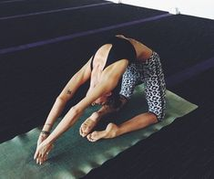 Starting Yoga at Home For Beginners. I made this for you to keep and practice your Yoga poses in the future. Yoga Meditation, Yoga Bewegungen, Yoga Pilates, Yoga Art, Sleep Yoga, Vinyasa Yoga, Yoga Inspiration, Fitness Inspiration, Ayurveda