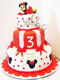 Minnie Mouse Cake by Caketutes