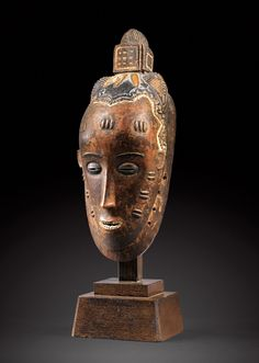 Africa | Mask from the Guro people of the Ivory Coast | Wood, kaolin | ca. early 1900s