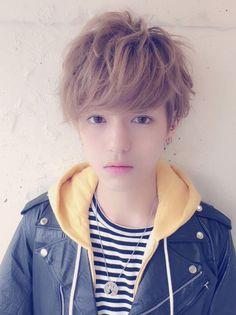 埋め込み Pelo Ulzzang, Ulzzang Boy, Cute Korean, Korean Men, Messy Hairstyles, Pretty Hairstyles, Beautiful Boys, Beautiful People, Androgynous Hair