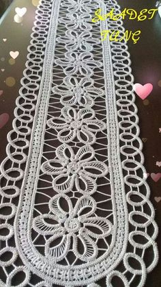 This post was discovered by Saadet Tunç. Discover (and save!) your own Posts on Unirazi. Crochet Flower Tutorial, Form Crochet, Crochet Chart, Crochet Flowers, Crochet Lace, Needle Lace, Bobbin Lace, Lace Patterns, Crochet Patterns