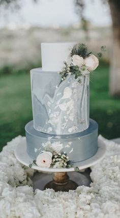 Marble Wedding Cakes - Photography: Blake Hogge