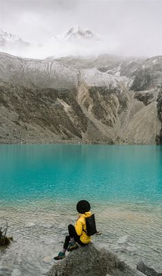 Here are 20 of the most beautiful places to visit in South America! Alpine Lake, Peru Travel, Best Hikes, Day Hike, Beautiful Places To Visit, South America, National Parks, Hiking, The Incredibles