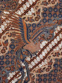Motif klasik wonogiren dengan di latari Lengko Batik Art, Batik Prints, Textile Prints, Textile Patterns, Chicken Quilt, Batik Solo, Batik Pattern, Batik Fashion, Textiles Techniques
