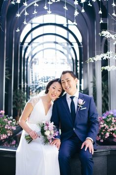 Classy Seattle Wedding at Court in the Square | Photo by GH Kim Photography via http://junebugweddings.com/wedding-blog/classy-seattle-wedding-court-square/