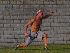 tim mcgraw-shirtless-abs-impressive-physique-photos-03