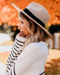 "VICIDOLLS on Instagram: ""RESTOCK // BESTSELLER Evelyn Felt Hat - Beige $38  What is Fall + Winter without the Evelyn Felt Hat?! This beige felt hat is set apart…"" Mountain Hat, Set Apart, Boater Hat, Felt Hat, Striped Knit, Her Style, Best Sellers, Fall Winter, Autumn"