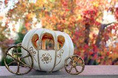 Perfect pumpkin carriage decoration for Cinderella Fall Wedding Halloween Pumpkins, Fall Halloween, Halloween Crafts, Halloween Wedding Centerpieces, Halloween Decorations, Pumpkin Art, Pumpkin Carving, Carving Pumpkins, Pumpkin Painting