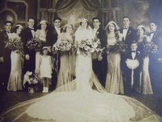 ITALIAN WEDDING CUSTOMS:  Wedding parties traditionally have 10 attendants, which was the required legal number of official witnesses in old Rome.