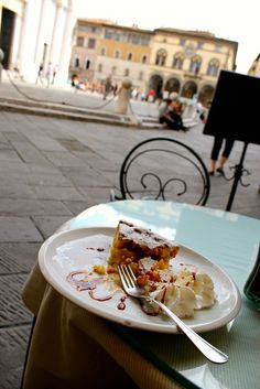 Cafe lounging in Lucca, Italy. Things to do in Lucca, Tuscany, itinerary, where to go, what to do, what to eat, female travel, vacation, Italy travel tips.