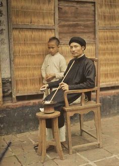 Photographer Leon Busy was assigned by the Albert Kahn Museum in France to go to Vietnam to capture the lives of the people in northern Viet. Old Photos, Vintage Photos, Albert Kahn, Colonial, Tonkinese, Vietnam History, North Vietnam, Old Photography, Indochine
