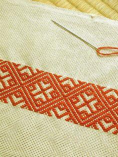 Folk Embroidery Kogin and Sashiko - Folk Embroidery, Japanese Embroidery, Embroidery Fashion, Hand Embroidery Designs, Ribbon Embroidery, Embroidery Stitches, Embroidery Patterns, Swedish Embroidery, Cross Stitch Borders