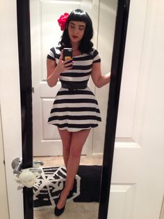 Fake Bettie bangs and dress Dress Outfits, Casual Dresses, Cool Outfits, Dress Up, Rockabilly Fashion, Rockabilly Style, Pin Up Style, My Style, Forever 21 Dresses