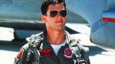 Tom #Cruise y las Aviator que lució en la película 'Top Gun' (1983), propaganda americana de las fuerzas aéreas.