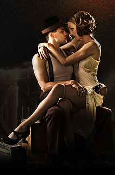 laura osnes | Bonnie & Clyde There's a sexy couples Halloween costume #halloween
