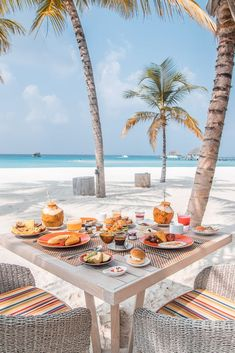 ♡ P I N T E R E S T : ♡ kanuhura maldives resorts breakfast Maldives Voyage, Maldives Resort, The Maldives, Maldives Islands, Maldives Beach, Vacation Resorts, Dream Vacations, Vacation Spots, Vacation Travel