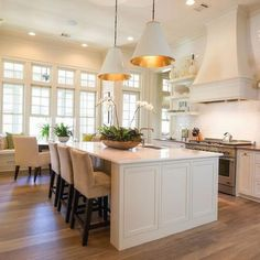 50 Easy Kitchen Lighting Fixture Plans To Accent The Spa In Your Home Grey Kitchen Island, Gray And White Kitchen, Kitchen Dining, Kitchen Decor, Kitchen Ideas, Modern Kitchen Lighting, Kitchen Lighting Fixtures, Grey Kitchens, Home Kitchens