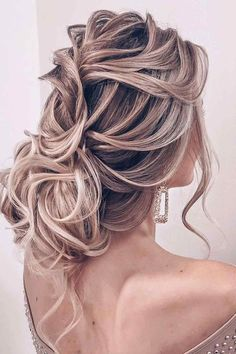 Side Swept Captivating Curls ❤ Here are a lot of easy updos for long hair you can try at home. Updos don't have to be elaborate and complicated. And you don't have to go to a salon. #easyupdosforlonghair #lovehairstyles #hair #hairstyles #haircuts
