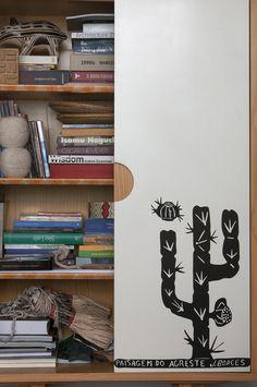 Semana Marcelo Rosenbaum. Obra de JBorges na porta do armário Caruaru - Foto Manu Oristanio