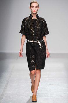 Véronique Leroy Spring 2015 Ready-to-Wear Collection Photos - Vogue