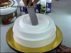 Really different cake decorating technique! You  watch the video to believe it!