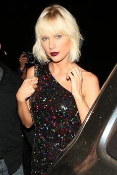 Taylor Swift's Icy-Blond Hair and Vampy Lips Are Your Weekend #Goals