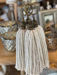 Wood Bead Garland, Beaded Garland, Diy Tassel, Tassels, Shabby, Diy Crafts, Couture, Sewing, Crochet