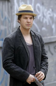"""Gavin DeGraw has been hospitalised after being assaulted in New York.The singer/songwriter was attacked by a group of """"unknown males"""" in the early hours of Sunday morning and suffered a broken nose and a cut to his face. Bellevue Hospital, Gavin Degraw, Theme Song, Debut Album, Lifestyle Photography, The Twenties, Handsome, Singer, Celebrities"""