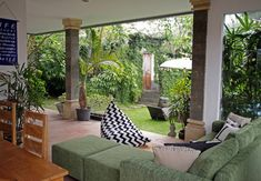 Indoor comfort with an outdoor Bali feel Bali, Indoor, Room, Ad Home, Interior, Bedroom, Rooms, Rum, Peace