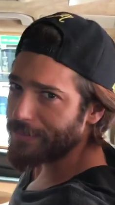 Yaman on the way to location shooting Turkish Men, Turkish Actors, Gorgeous Men, Beautiful People, Grunge Guys, Awesome Beards, Handsome Actors, Beard Styles, Perfect Man