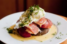 Benedicts are the best! Smoked salmon eggs benedict (with a portabello mushroom) via The Domestic Man Primal Recipes, Egg Recipes, Seafood Recipes, Whole Food Recipes, Healthy Recipes, Paleo Food, Healthy Breakfasts, Free Recipes, Recipies