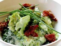 Gorgonzolás brokkoli saláta Guacamole, Potato Salad, Potatoes, Mexican, Ethnic Recipes, Food, Eten, Potato, Meals