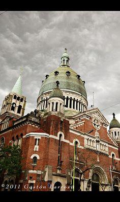 Santa Rosa de Lima . Av Belgrano y Pasco. Arq. Alejandro Christofensen. ( matrícula Nº 1 )