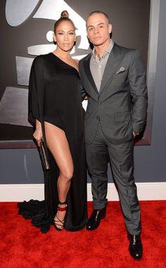 Jennifer Lopez & Casper Smart The singer-actress does her best Angelina Jolie pose in Zuhair Murad. Grammy Fashion, J Lo Fashion, Zuhair Murad, Dressed To The Nines, Well Dressed, Angelina Jolie, Jennifer Lopez, Grammys 2013, Solange Knowles
