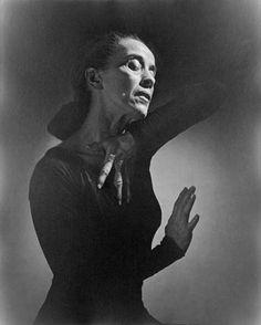 Martha Graham, 1948 - photographed by Yousuf Karsh