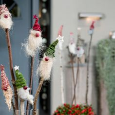 Christmas gnome on stick - Christmas gnome on stick Informations About Weihnachtswichtel am Stecken Pin You can easily use my p - Christmas Cup, Christmas Crafts, Christmas Decorations, Xmas, Christmas Ornaments, Holiday Decor, Diy Crafts To Do, Crafts For Kids, Simple Crafts