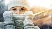 Suffer From Dry Face in Winter? Check Out These 5 Effective Solutions That Will Definitely Help You Prevent The Ravages Of The Cold Weather On Your Skin. Online Quizzes, Fun Quizzes, On Thin Ice, Dry Face, Environmental Health, Windy Day, Chilly Weather, Winter Beauty, Combination Skin