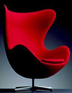 Арне Якобсен придумал совершенное, эргономичное и анатомически правильное кресло (Egg Chair) В середине прошлого века это была революция в дизайне интерьера