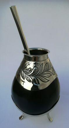 Conjunto de mate y bombilla en alpaca Yerba Mate, Different Types Of Tea, Chinese Greens, Koh Tao, Gourds, Dinnerware, Tips, Folklore, Mate Drink