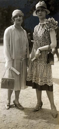 50 Fabulous Pictures of Women's Street Style from the 50 Fabulous Photos of Women's Street Style from // Spaarnestad Photo Collection: Life Photos, Daywear, 1926 Auteuil, France. 1920 Style, Style Année 20, Art Deco Fashion, Modern Fashion, Retro Fashion, Vintage Fashion, 1920s Fashion Women, Fashion Styles, Fashion Fashion