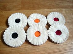 Play food  4 or 6 felt jam cookies in a gift box by DusiCrafts,